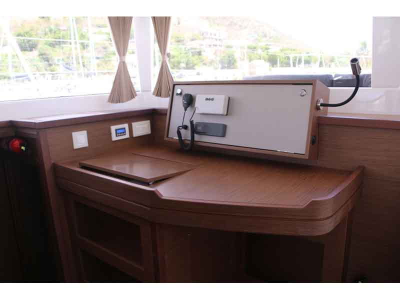 Lagoon 450 Reposado II Galley