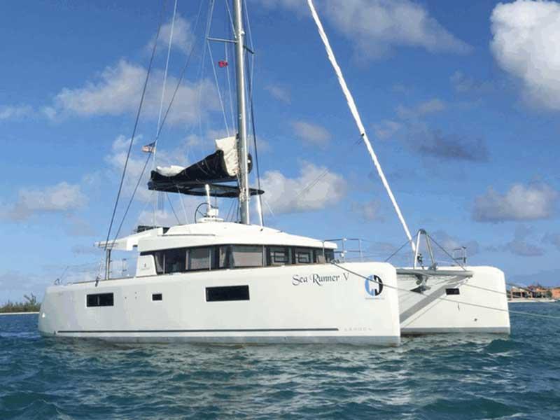 Catamaran Charter: Lagoon 52 f! SEA RUNNER V in BVI