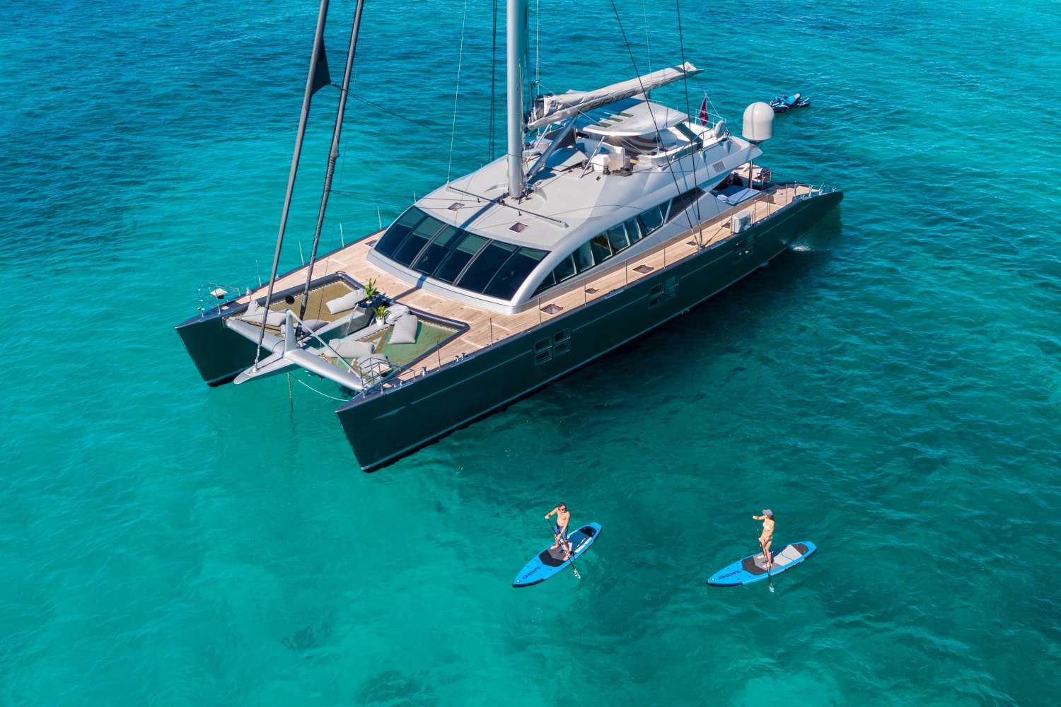 14 pre-approved and verified catamarans for crewed charter