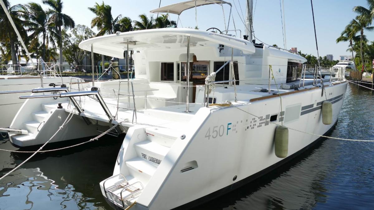 2017 Lagoon 450F For Sale in Ft.Lauderdale Ten 40 - 45 Feet