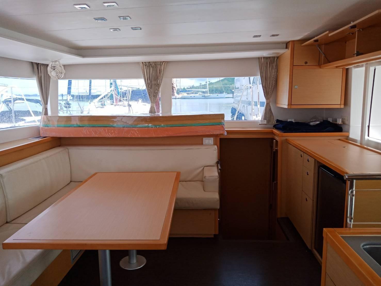 Used Sail Catamaran for Sale 2013 Lagoon 450 Layout & Accommodations