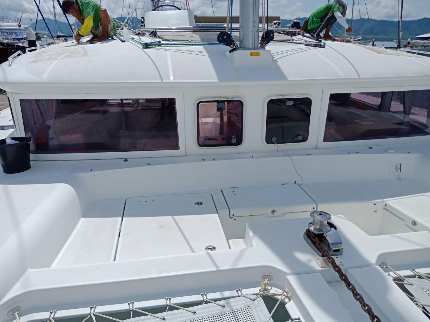 Used Sail Catamaran for Sale 2013 Lagoon 450 Deck & Equipment