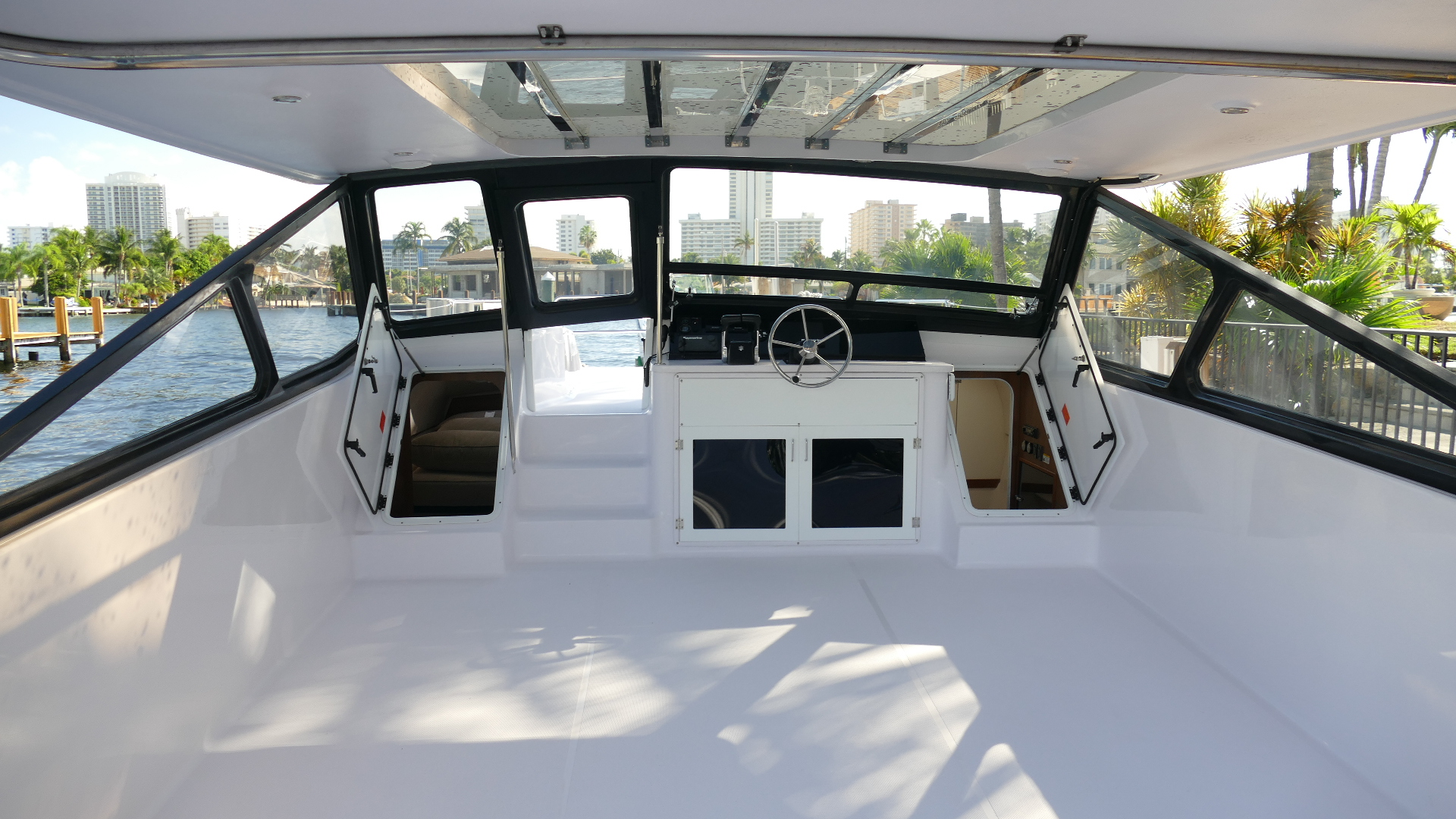 New Power Catamaran for Sale 2020 Freestyle 399 Power Layout & Accommodations