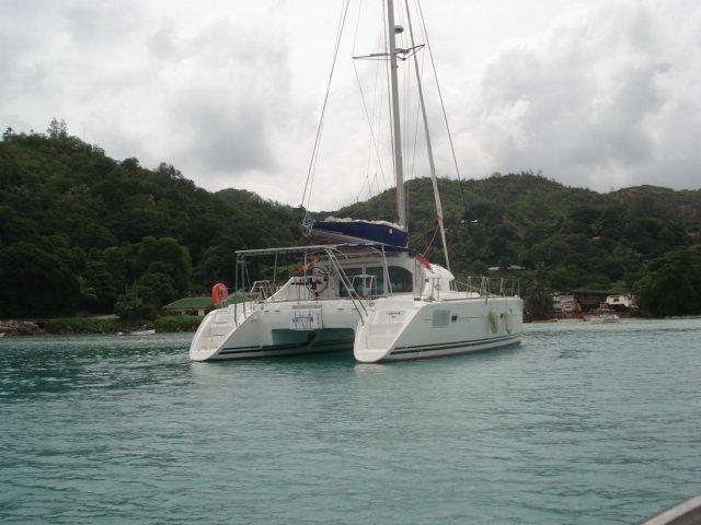 Used Sail Catamaran for Sale 2014 Lagoon 380 S2 Boat Highlights