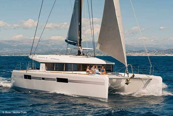 Used Sail Catamaran for Sale 2018 Lagoon 52 S Boat Highlights