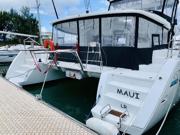 Used Sail Catamaran for Sale 2016 Lagoon 450 S Boat Highlights