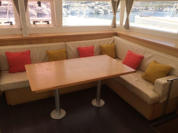 Used Sail Catamaran for Sale 2013 Lagoon 450 F Layout & Accommodations