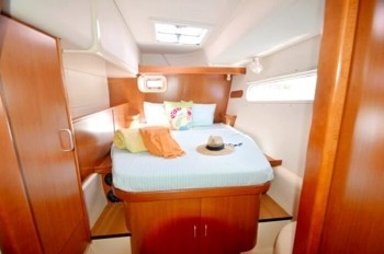 Used Sail Catamaran for Sale 2007 Leopard 46  Layout & Accommodations