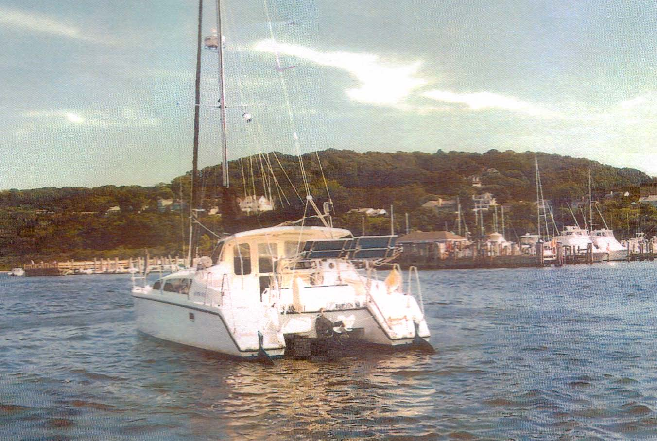 Used Sail Catamaran for Sale 2001 Gemini 105Mc Boat Highlights