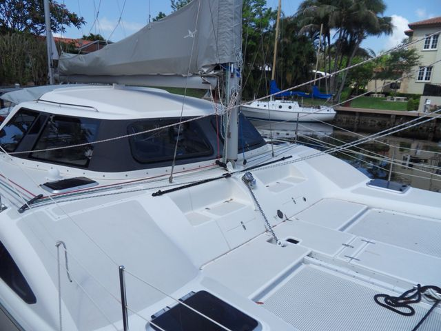 Preowned Sail Catamarans for Sale 2007 Seawind 1000XL Boat Highlights