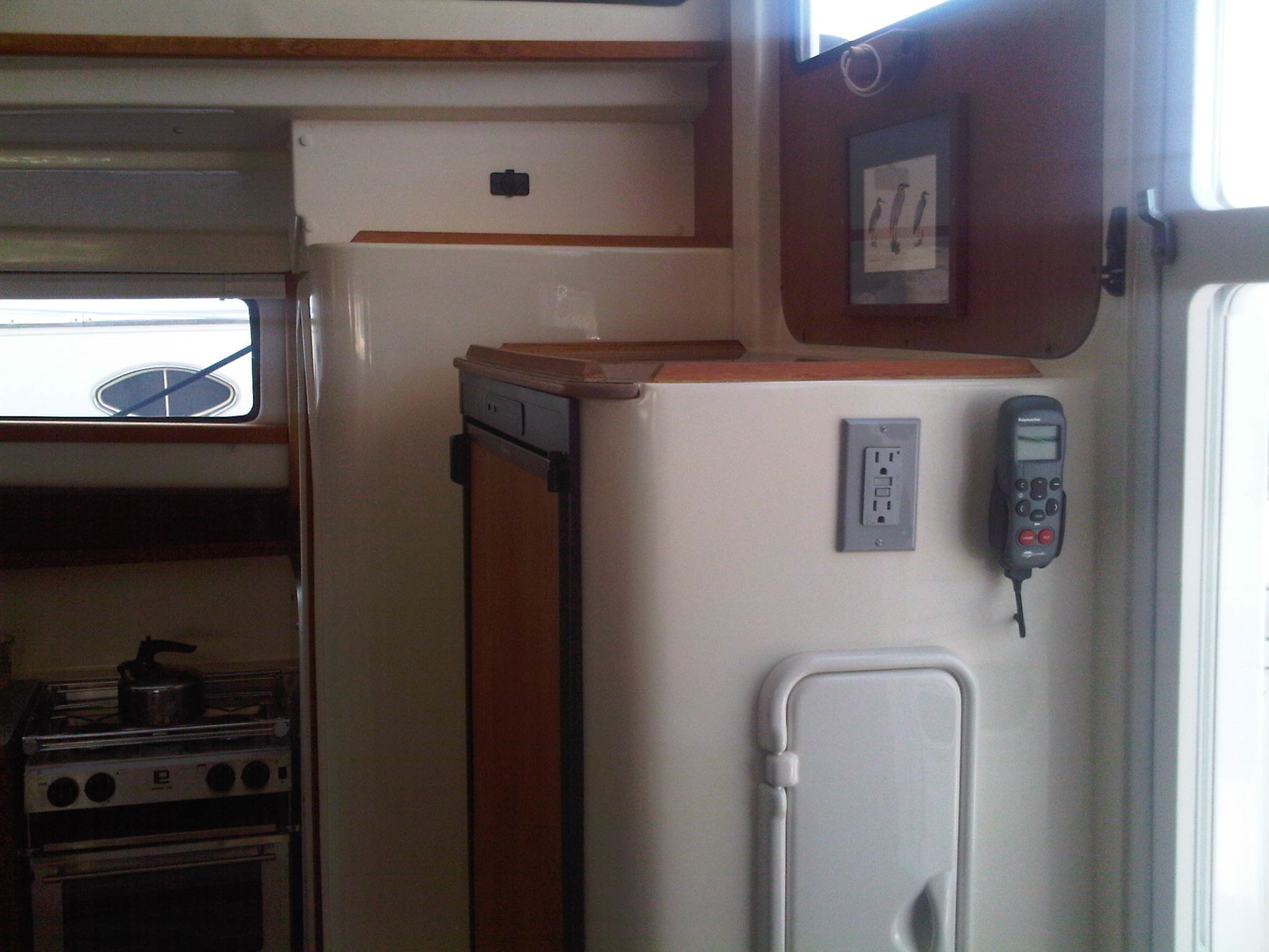 Used Sail Catamaran for Sale 2010 Gemini 105Mc Layout & Accommodations