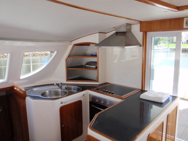 Used Power Catamaran for Sale 2005 Prowler 450 Galley