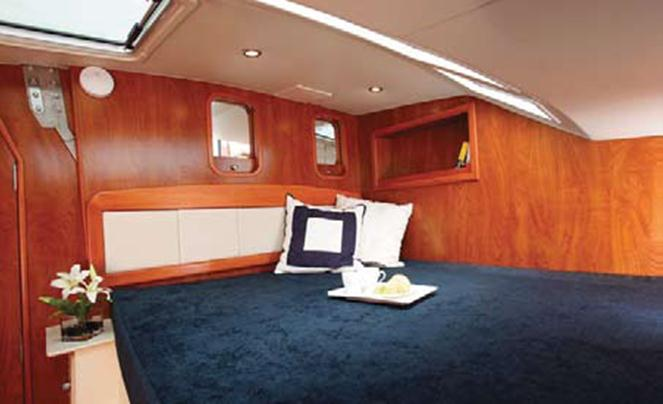New Sail Catamarans for Sale 2011 Gemini 105Mc Layout & Accommodations