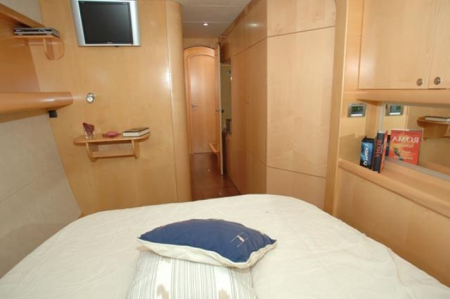 Preowned Sail Catamarans for Sale 2008 Eleuthera 60 Layout & Accommodations
