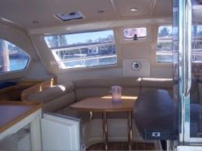 Preowned Sail Catamarans for Sale 2005 Leopard 40 Layout & Accommodations