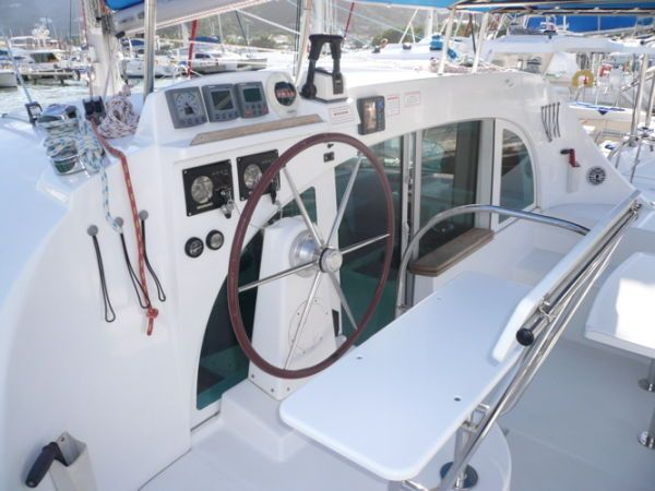 Used Sail Catamaran for Sale 2004 Lagoon 380 Deck & Equipment