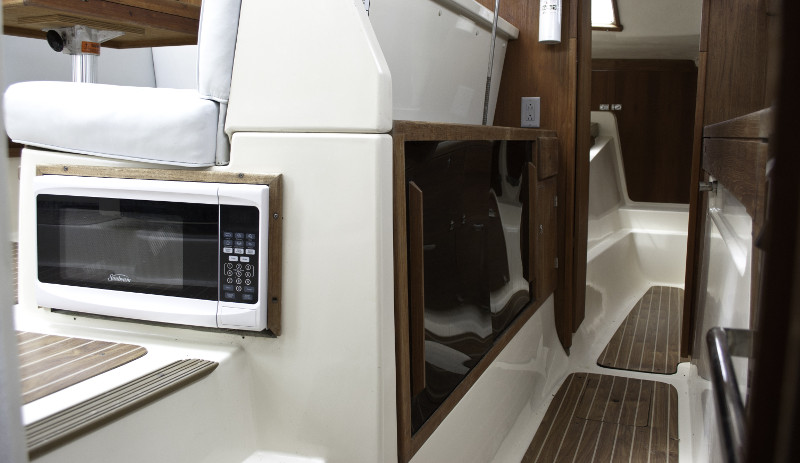 Preowned Sail Catamarans for Sale 2005 Gemini 105Mc Layout & Accommodations
