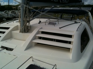 Preowned Sail Catamarans for Sale 2000 Leopard 38 Boat Highlights