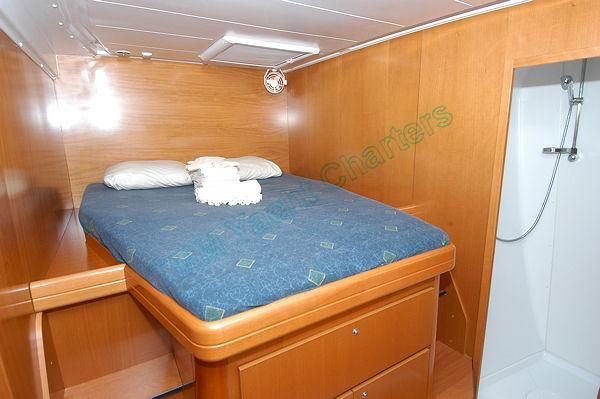 Preowned Sail Catamarans for Sale 2007 Lagoon 420 Layout & Accommodations