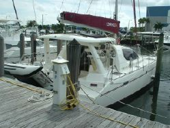 Preowned Sail Catamarans for Sale 2007 Leopard 40 Boat Highlights