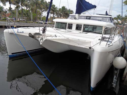 Preowned Sail Catamarans for Sale 2007 Lagoon 420 Boat Highlights