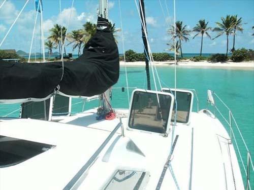 Preowned Sail Catamarans for Sale 2001 Gemini 105Mc Deck & Equipment