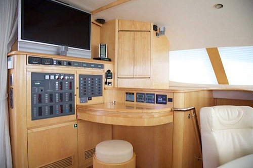 Preowned Sail Catamarans for Sale 2006 Privilege 585 Electronics & Navigation