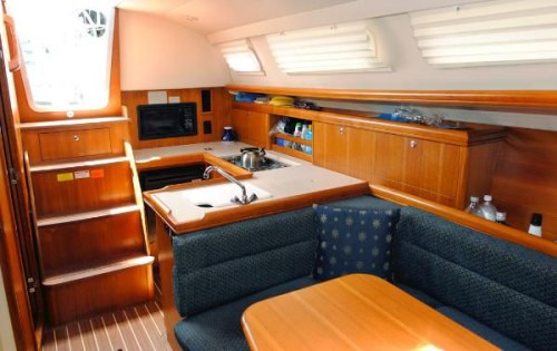 Preowned Sail Catamarans for Sale 2006 Hunter 33 Layout & Accommodations