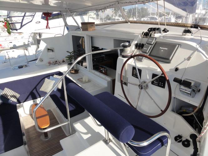 Used Sail Catamaran for Sale 2007 Lagoon 420 Deck & Equipment