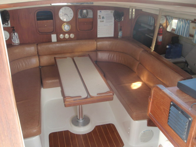 Preowned Sail Catamarans for Sale 1996 Gemini 105Mc Layout & Accommodations