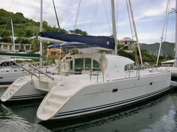 Preowned Sail Catamarans for Sale 2001 Lagoon 380 Boat Highlights