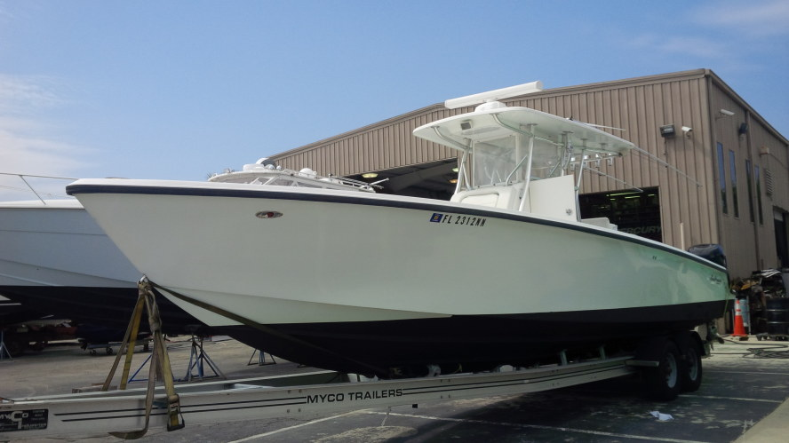Preowned Power Catamarans for Sale 2004 Sea Hunter 35 Boat Highlights