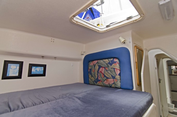 Preowned Sail Catamarans for Sale 1995 Norseman 400 Layout & Accommodations