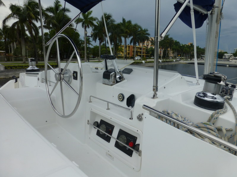 Used Sail Catamaran for Sale 2006 Lagoon 440 Deck & Equipment