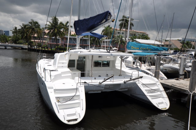 Preowned Sail Catamarans for Sale 2006 Lagoon 440 Boat Highlights
