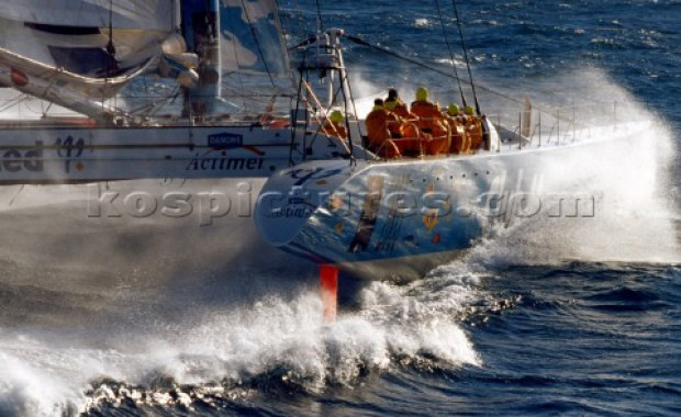 Preowned Sail Catamarans for Sale 2000 Racing 110 Boat Highlights