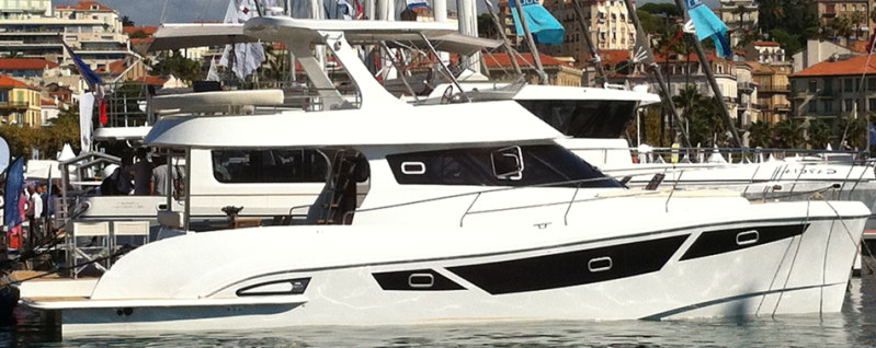 New Power Catamarans for Sale  FlashCat 47 Boat Highlights