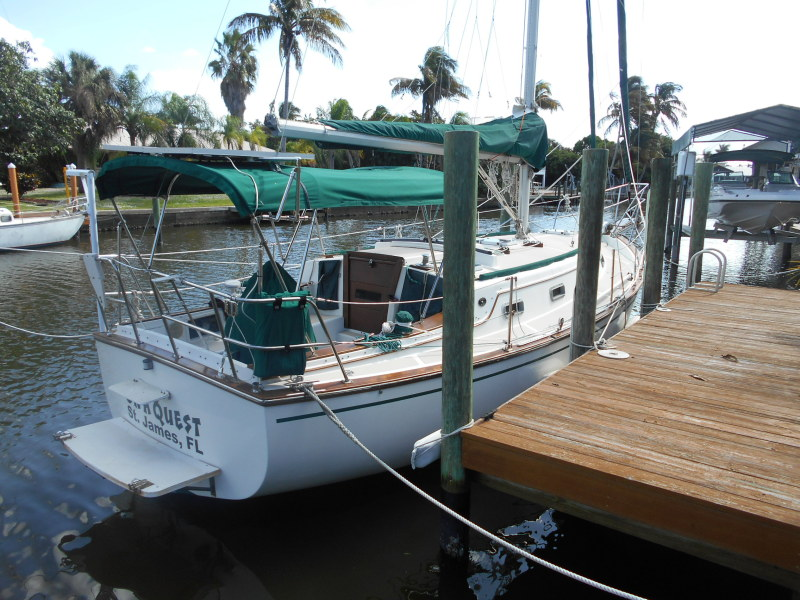 Preowned Sail Catamarans for Sale 1984 Island Packet 31 Boat Highlights