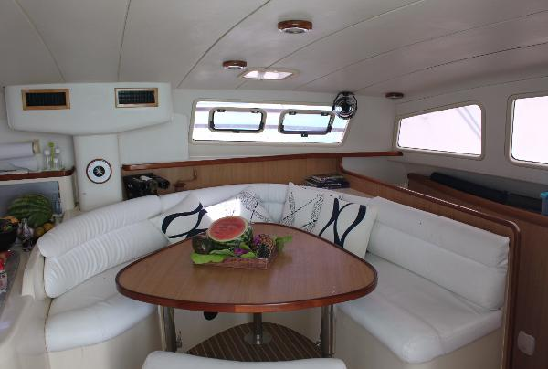 Used Sail Catamaran for Sale 2001 Leopard 47 Layout & Accommodations