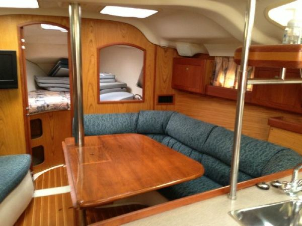 Preowned Sail Catamarans for Sale 2000 Hunter 380 Layout & Accommodations