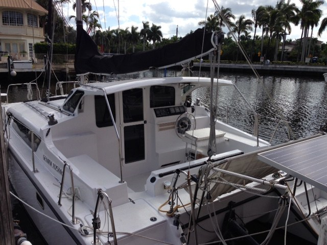 Preowned Sail Catamarans for Sale 2008 Gemini 105Mc Deck & Equipment