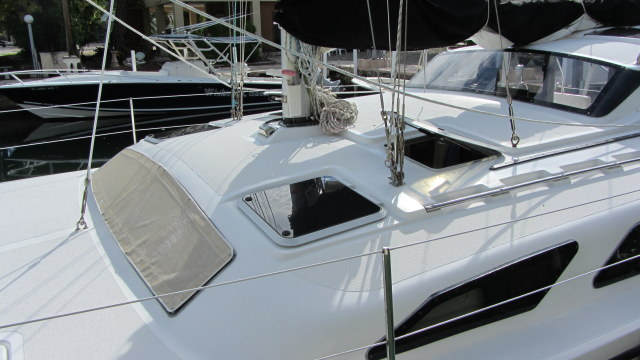Preowned Sail Catamarans for Sale 2006 Gemini 105Mc Deck & Equipment