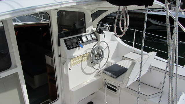 Preowned Sail Catamarans for Sale 2006 Gemini 105Mc Electronics & Navigation