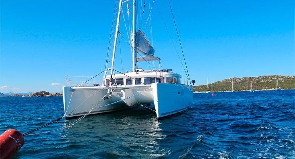 Preowned Sail Catamarans for Sale 2011 Lagoon 450 Boat Highlights