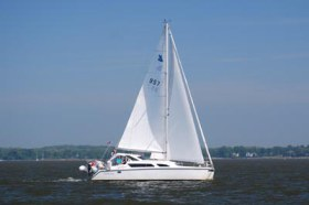 Preowned Sail Catamarans for Sale 2006 Gemini 105Mc Boat Highlights