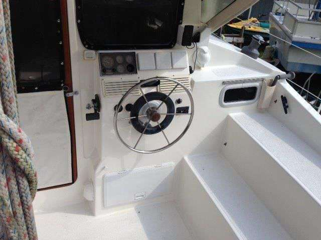 Used Sail Catamaran for Sale 1997 Gemini 105M Deck & Equipment