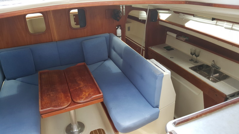 Preowned Sail Catamarans for Sale 2007 Gemini 105Mc Layout & Accommodations