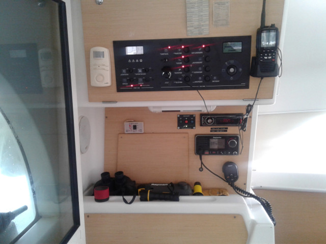 Used Sail Catamaran for Sale 2011 Lagoon 380 S2 Electronics & Navigation
