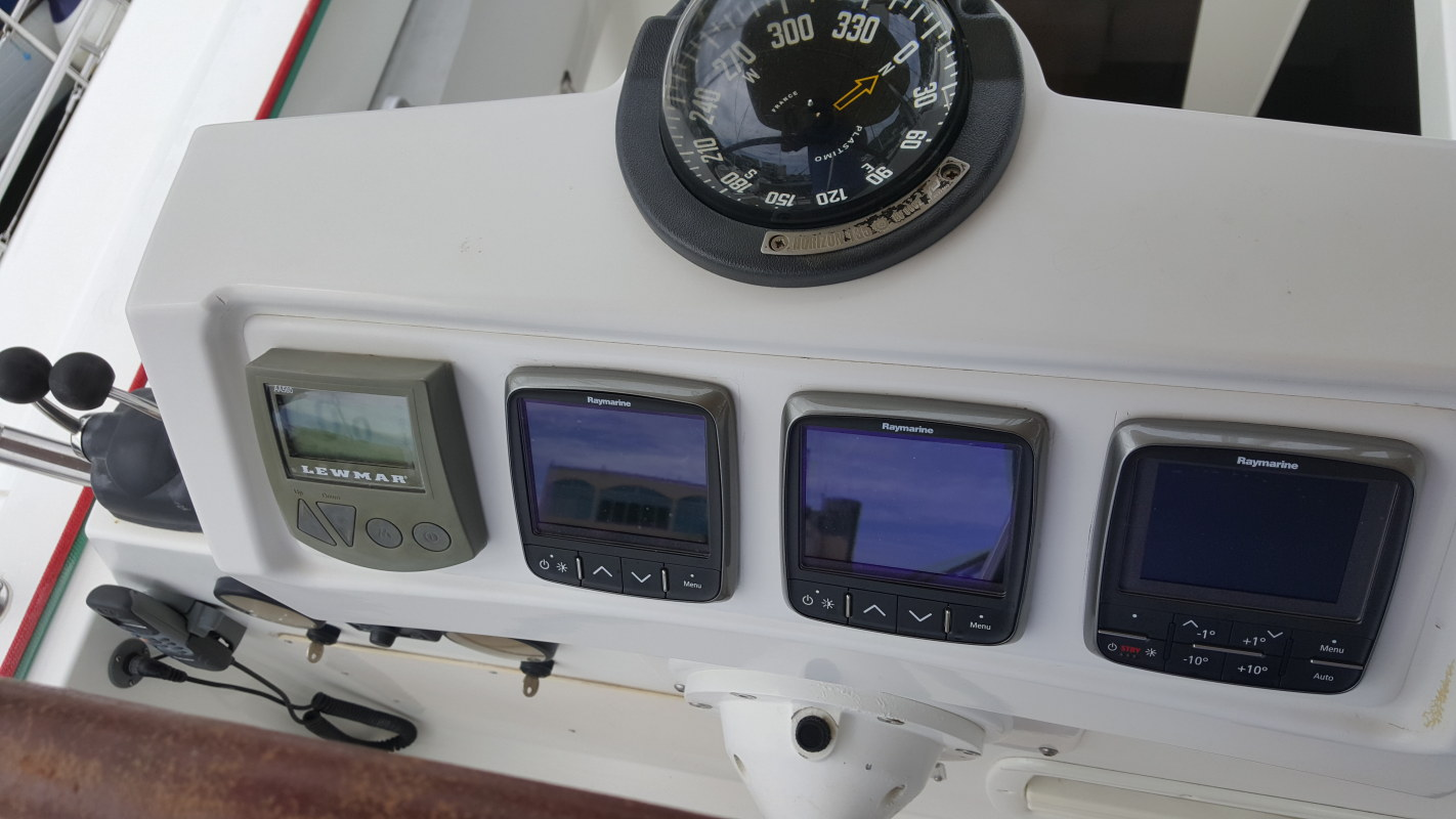 Preowned Sail Catamarans for Sale 2009 Lagoon 620  Electronics & Navigation
