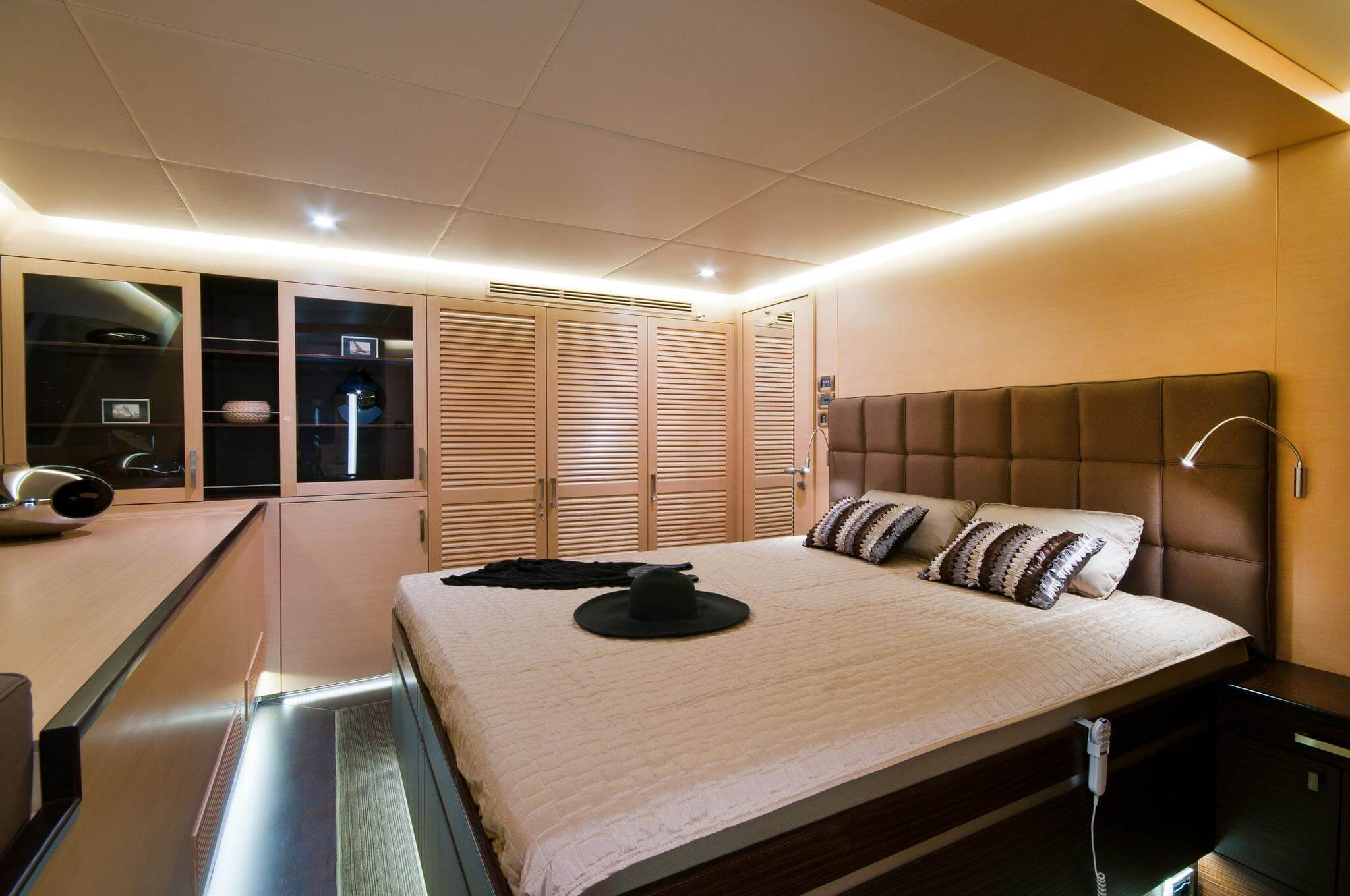 Launched Sail Catamaran for Sale  Sunreef 102 DD Layout & Accommodations